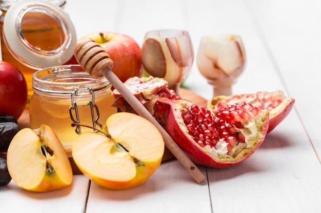 Manzana y miel, comida tradicional del año nuevo judío - rosh hashana.