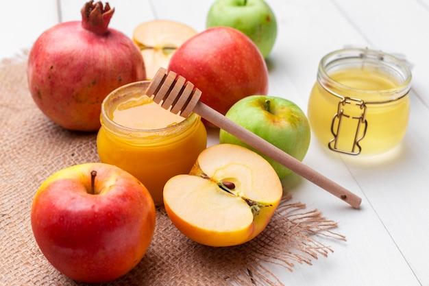 Manzana y miel, comida tradicional del año nuevo judío, rosh hashana.