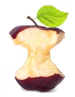 Manzana roja con falta una mordida aislado en blanco