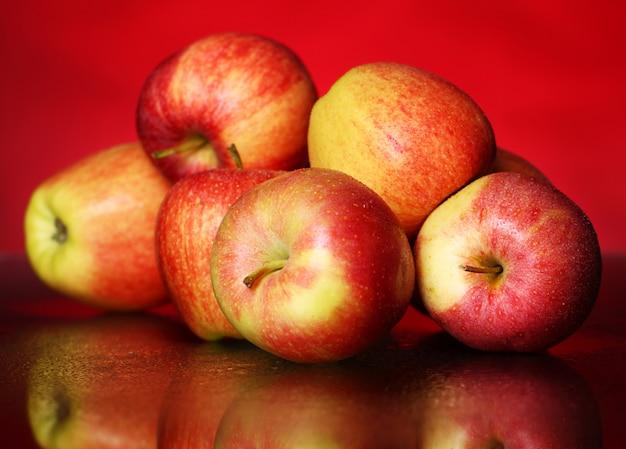 Manzanas frescas y sabrosas