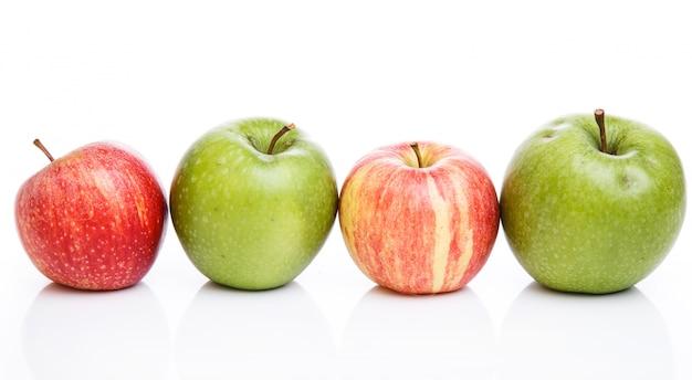 Manzanas en la mesa