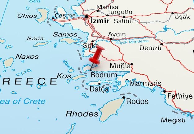 Mapa que muestra bodrum turquía con un pin rojo representación 3d