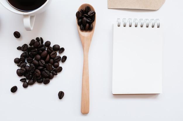 Maqueta de identidad de marca de café conjunto desde la vista superior.