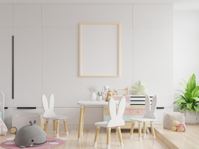 Maqueta de marco y póster para niños en colores blancos de pared