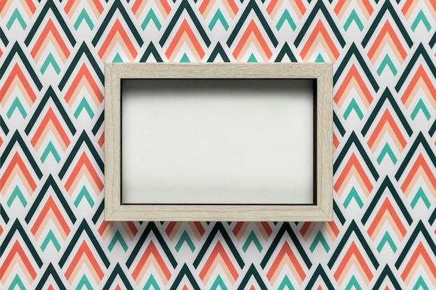 Maqueta de marco sobre fondo de color
