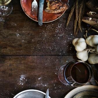 Maqueta de mesa de cocina rústica desordenada