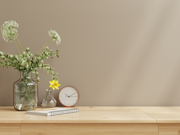 Maqueta de pared interior con florero, pared marrón oscuro y estante de madera representación 3d