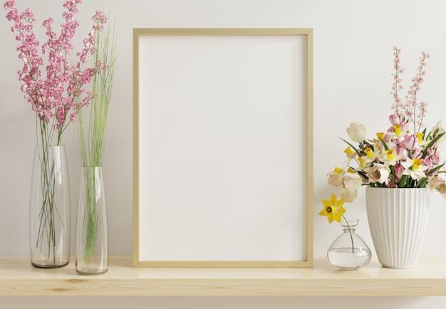 Maqueta de póster interior con marco vertical de cromo dorado en el fondo interior de una casa, renderizado 3d