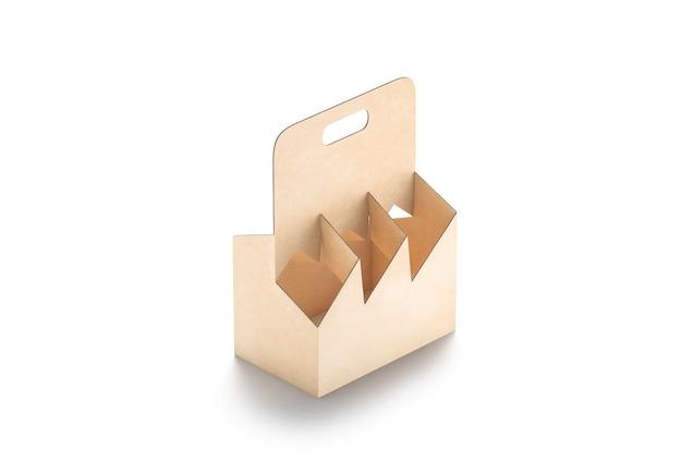 Maqueta de soporte de botella de cartón artesanal en blanco papel kraft vacío maqueta de embalaje para llevar aislado