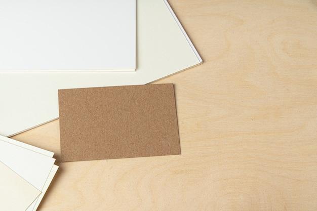 Maqueta de tarjetas de negocios, primer plano