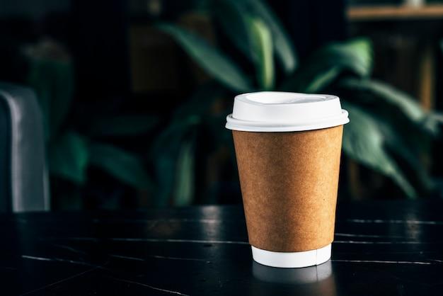 Maqueta de una taza de café desechable