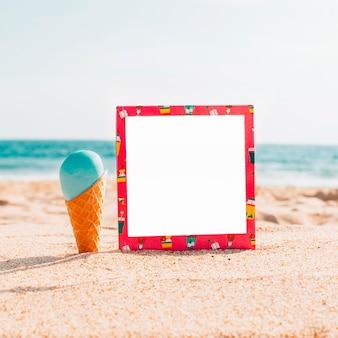 Maqueta de verano con helado