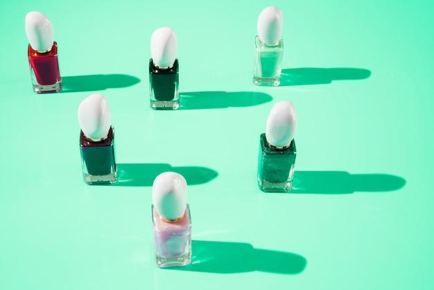 Maquillaje de esmalte de uñas
