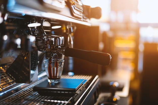 Máquina de café de primer plano