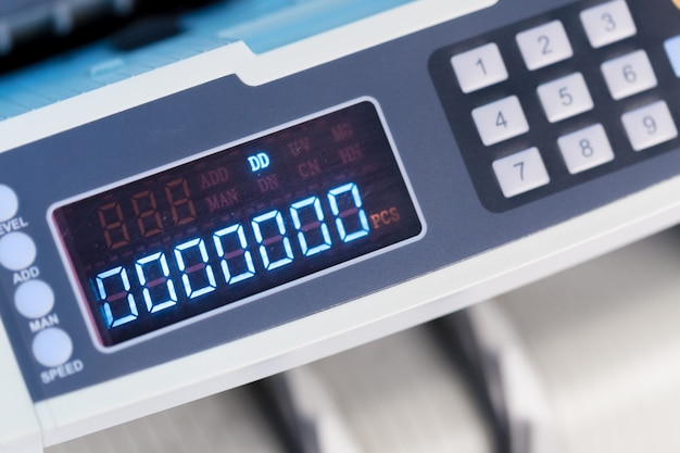 Máquina calculadora de cerca