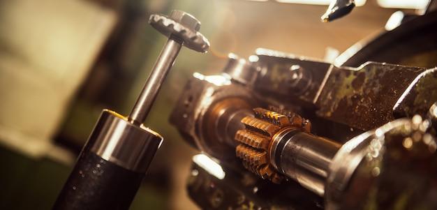 Máquina de corte de engranajes