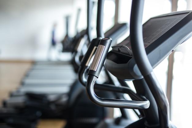 Máquina elíptica cross-trainer fitness