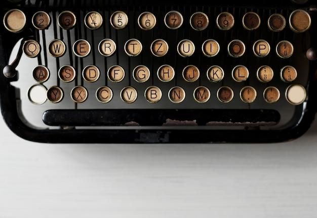 Máquina de escribir retro estilo antiguo