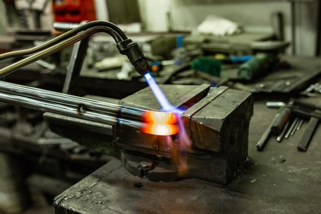 Máquina de soldadura de cilindros de gas.