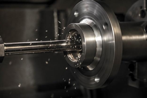 Máquina de torno de trabajo de la industria