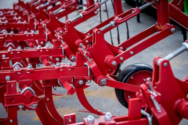 Maquinaria agrícola moderna y equipos. detalles industriales.