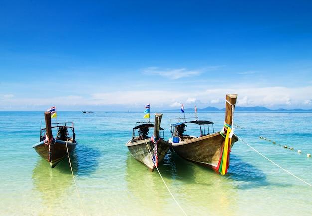 Mar tropical en tailandia