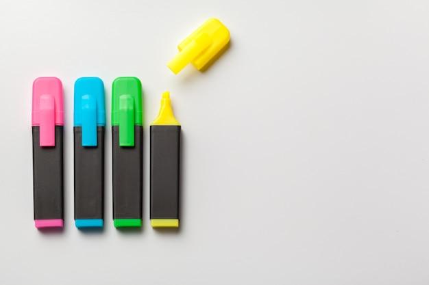 Marcadores multicolores