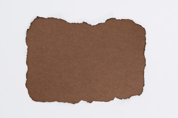 Marco de artesanía de papel marrón rasgado fondo de tono de tierra de bricolaje