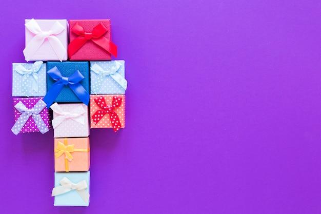 Marco de cajas de regalo de vista superior con espacio de copia