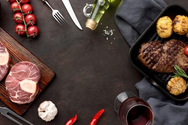 Marco de carne y verduras
