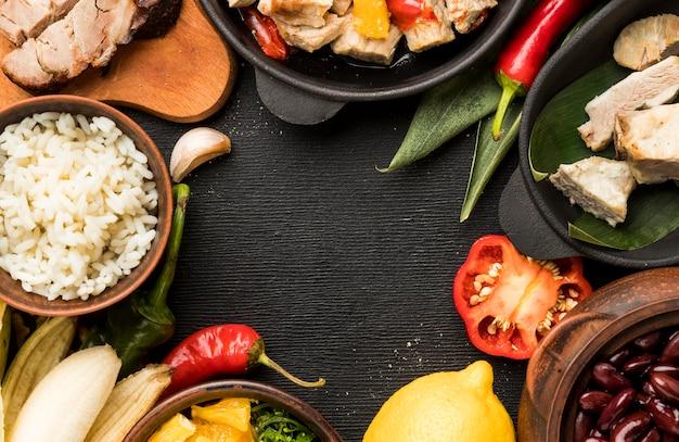Marco circular de comida brasileña