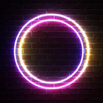 Marco circular de luz de neón para plantilla y diseño frente a la pared de ladrillo. representación 3d