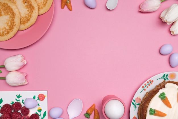 Marco circular de vista superior con deliciosa comida de pascua