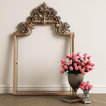 Un marco clásico y un jarrón con rosas.