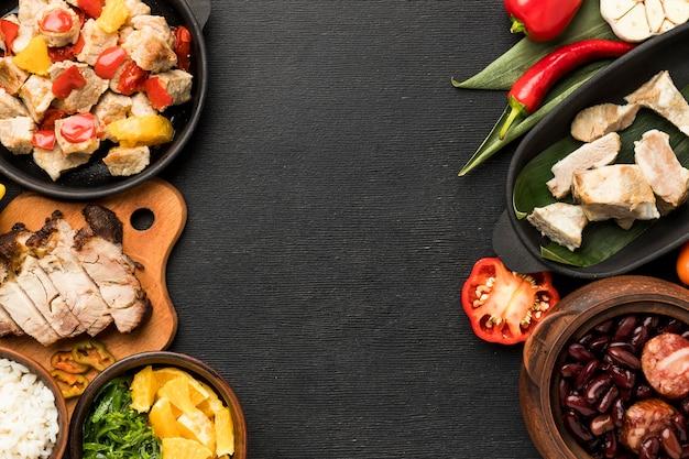 Marco de comida brasileña con espacio de copia