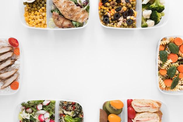 Marco de comida con contenedores