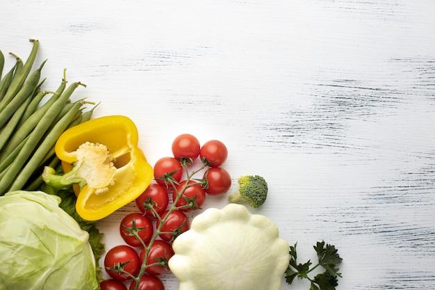 Marco de deliciosas verduras vista superior