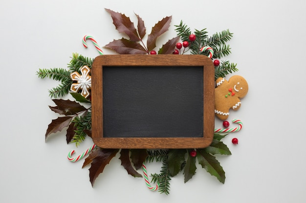 Marco festivo de navidad con maqueta