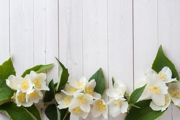 Marco de flores de jazmín