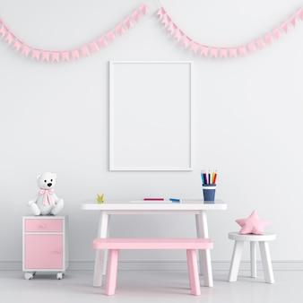 Marco de fotos en blanco en la habitación del niño