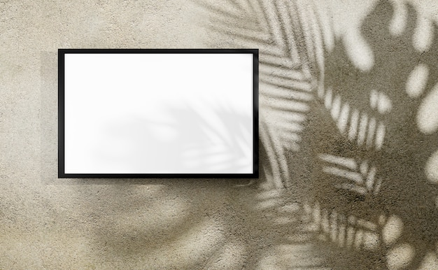 Marco de fotos en blanco con sombra de monstera y hojas de palma
