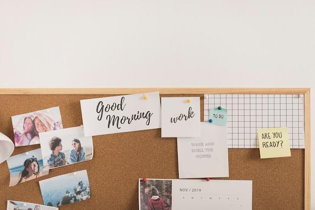 Marco con fotos, calendario y notas de publicación