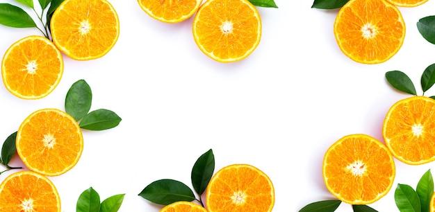 Marco de frutas naranjas. frutas cítricas