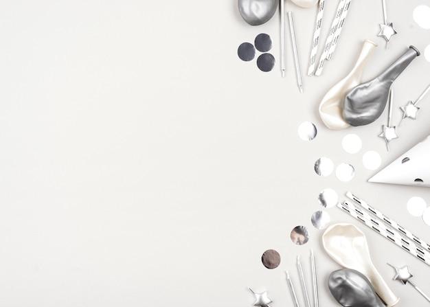 Marco de globos de cumpleaños con espacio de copia