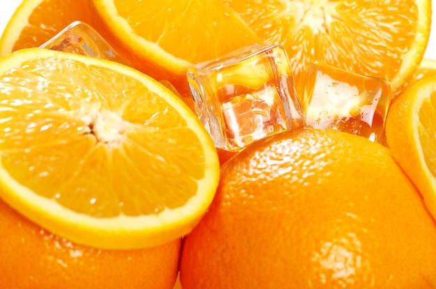Marco de naranjas frescas