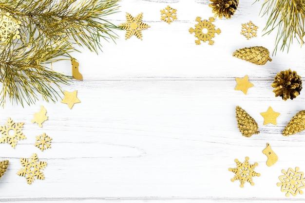 Marco de navidad con ramas de abeto