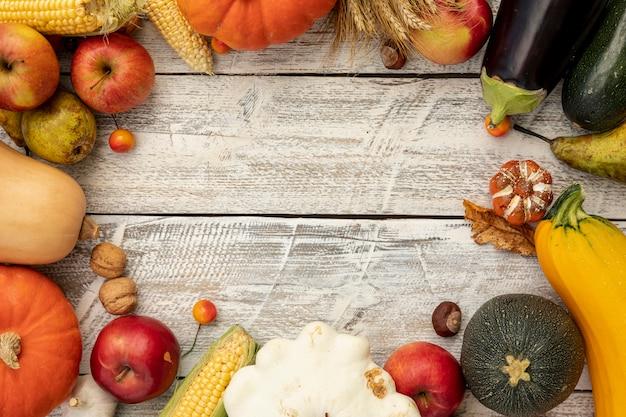 Marco de otoño con espacio de copia