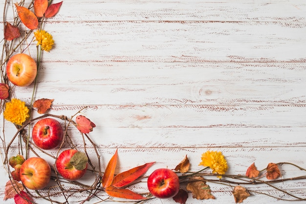 Marco de otoño vista superior con espacio de copia