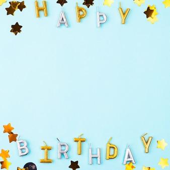 Marco de velas de feliz cumpleaños endecha plana