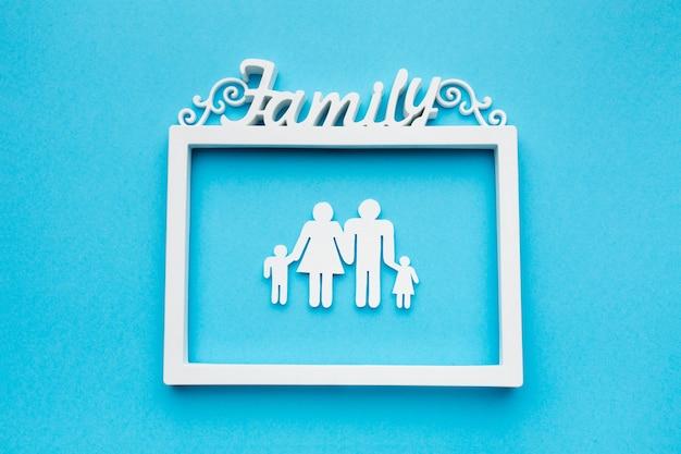 Marco de vista superior con concepto de figura familiar